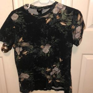 Lily Luxor Tee